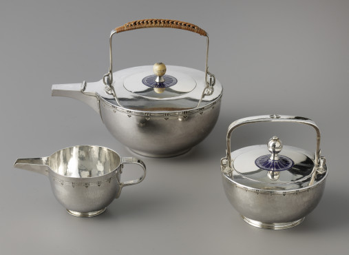 Jan Eisenloeffel (1876-1957) executed by F.A. Hoeker & Zoon, Amsterdam Tea service, 1900 & 1902 enamelled silver Gemeentemuseum Den Haag