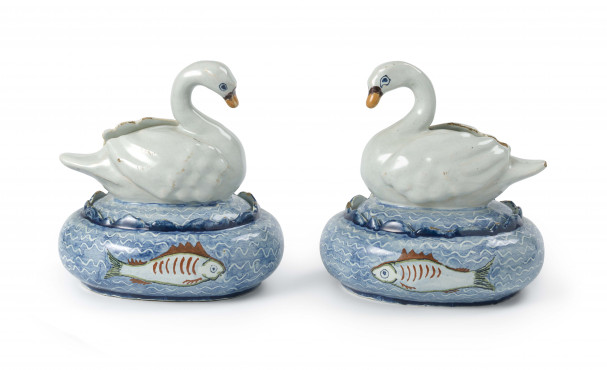 Two tureens and swan covers, Delft, 1750-1780, tin-glazed earthenware, height 13,5 cm, Kunstmuseum Den Haag – The Lavino Collection