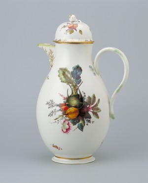 Coffee pot decorated with vegetables, nuts and flowers Ansbach, decorated in The Hague, 1776-1790 Porcelain, height 28.1 cm Kunstmuseum Den Haag