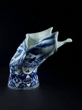 Blow Away Vase, design: Front for Moooi, production: Royal Delft, porcelain, 2008, H 28 cm, collection Kunstmuseum Den Haag