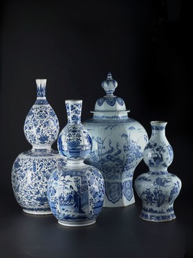 Double-gourd vases and baluster pot after Chinese examples, Delft earthenware, 1680-1700, H 40-60 cm, collection Kunstmuseum Den Haag